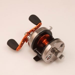 Akios Shuttle 555 SCM Multiplier Reel